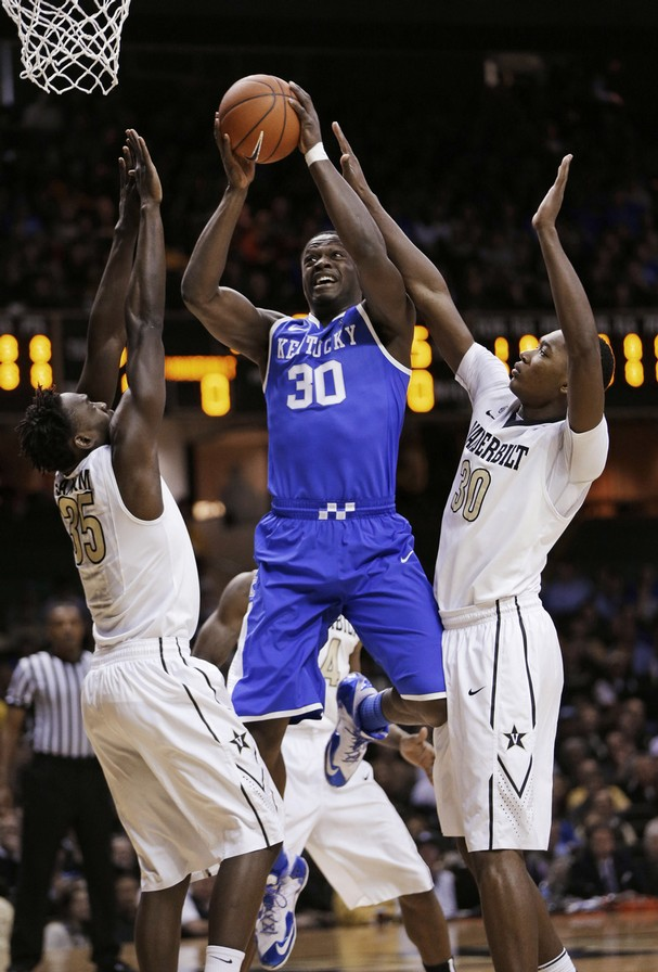 Julius Randle has been a beast so far in his freshman campaign, averaging 16.7 points 10.6 boards and shooting 54% from the field.   (AP Photo/Mark Humphrey)