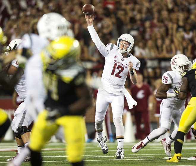 Connor Holiday (12) did his best to pull off the dubious upset over #2 Oregon, throwing 4 TDs and 0 turnovers but it just wasn't enough.