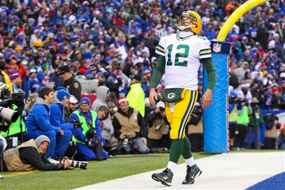 Aaron Rodgers had his worst game of the season, throwing 2 INTs and 0 TDs, a first for him in almost 7 seasons.