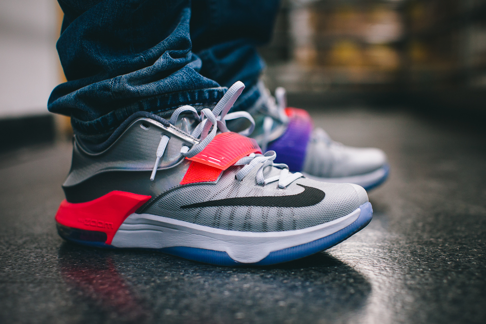The All-Star KD 7s. Retail price will be $170 at select locations. If you can find them, cop em.