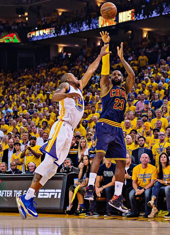 Andre Iguadola has done a good job guarding LeBron, forcing him to take contested shots and ill-advised trey balls. Thanks to Iggy, the Warriors defense has been able to keep everyone else in check. (John W. McDonough/Sports Illustrated)