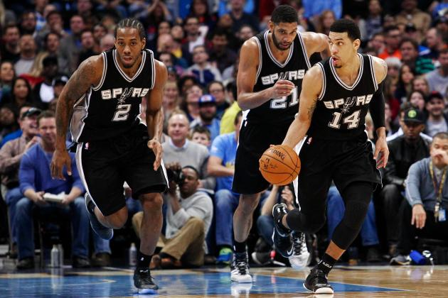 Kawahi Leonard and Danny Green are the transitioning to becoming the new faces of Spurs basketball, while the current faces get ready to walk into the sunset. (AP Photo)