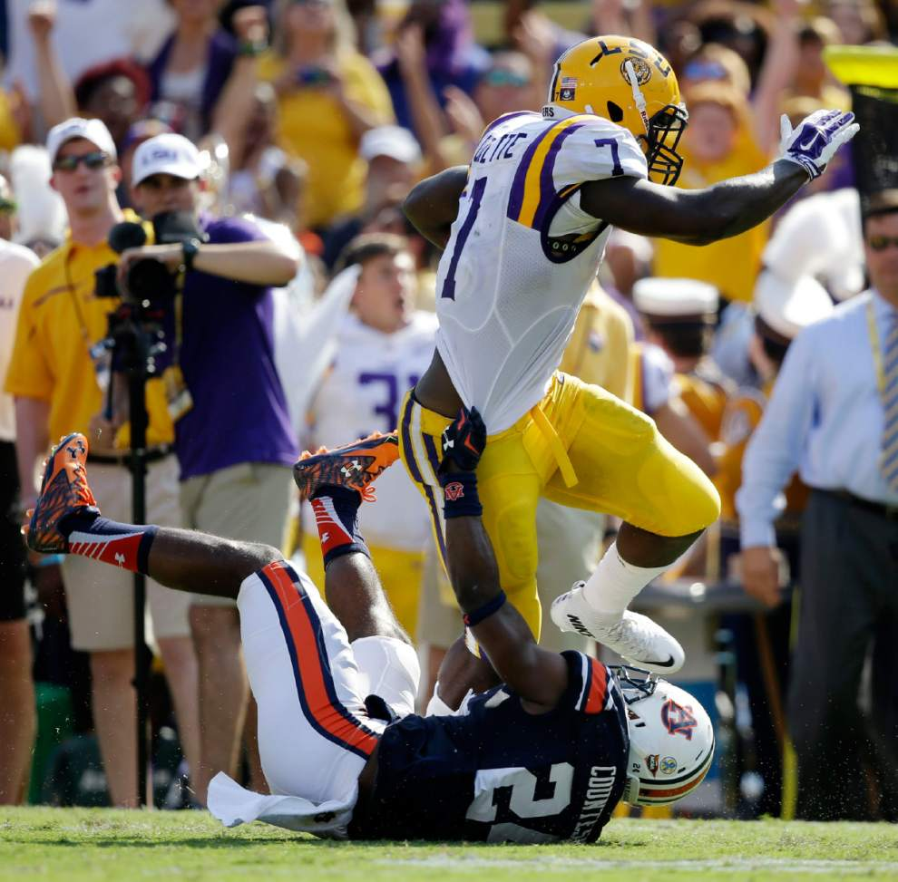 Leonard Fournette was unstoppable against Auburn. It will be interesting to see how teams prepare for him the rest of this season. (AP Photo)