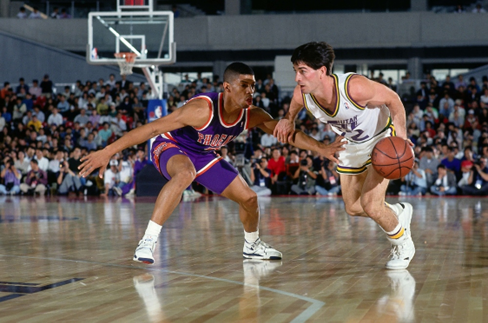 Ballhandlers of the past was force to deal with hand-checking, a style of defense that allowed the defenders to touch the body of ball-handlers, entering their dribbling space without consequences of a foul being called. (Andrew D. Bernstein/NBA)
