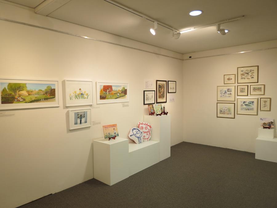 heARTlines  install - gallery n-e corner