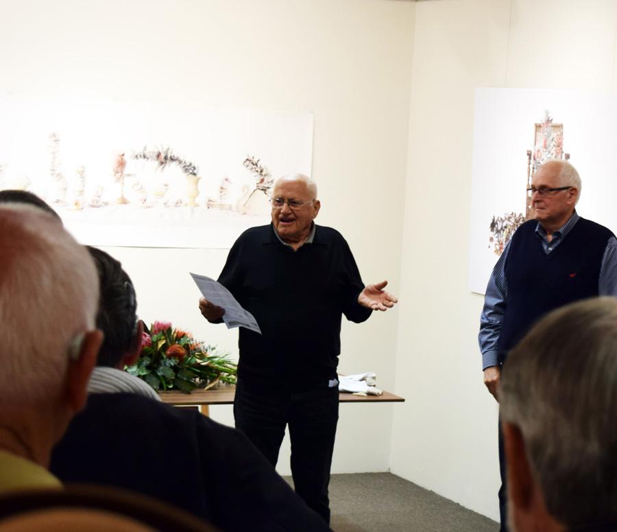 Richard woldendorp Opens Mundaring Camera Club exhibition