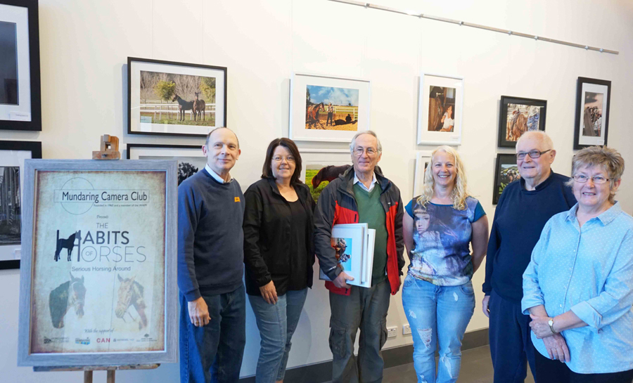 Members%20of%20Mundaring%20Camera%20Club%20at%20exhibition.jpg