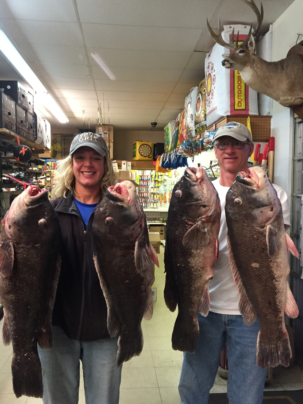 Wes Blow & Beth Synowiec caught 4 Tautog citations on 4/29/15. They ranged from 16lbs 1oz to 17lbs 10oz. Congrats guys!