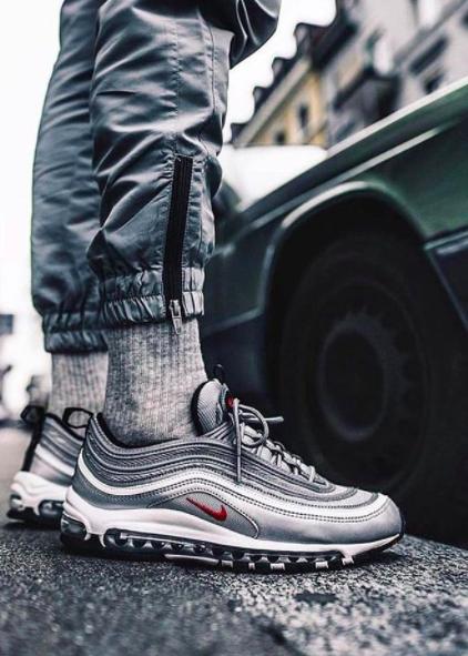 Sneakerdeck | Ryerson Fashion Zone