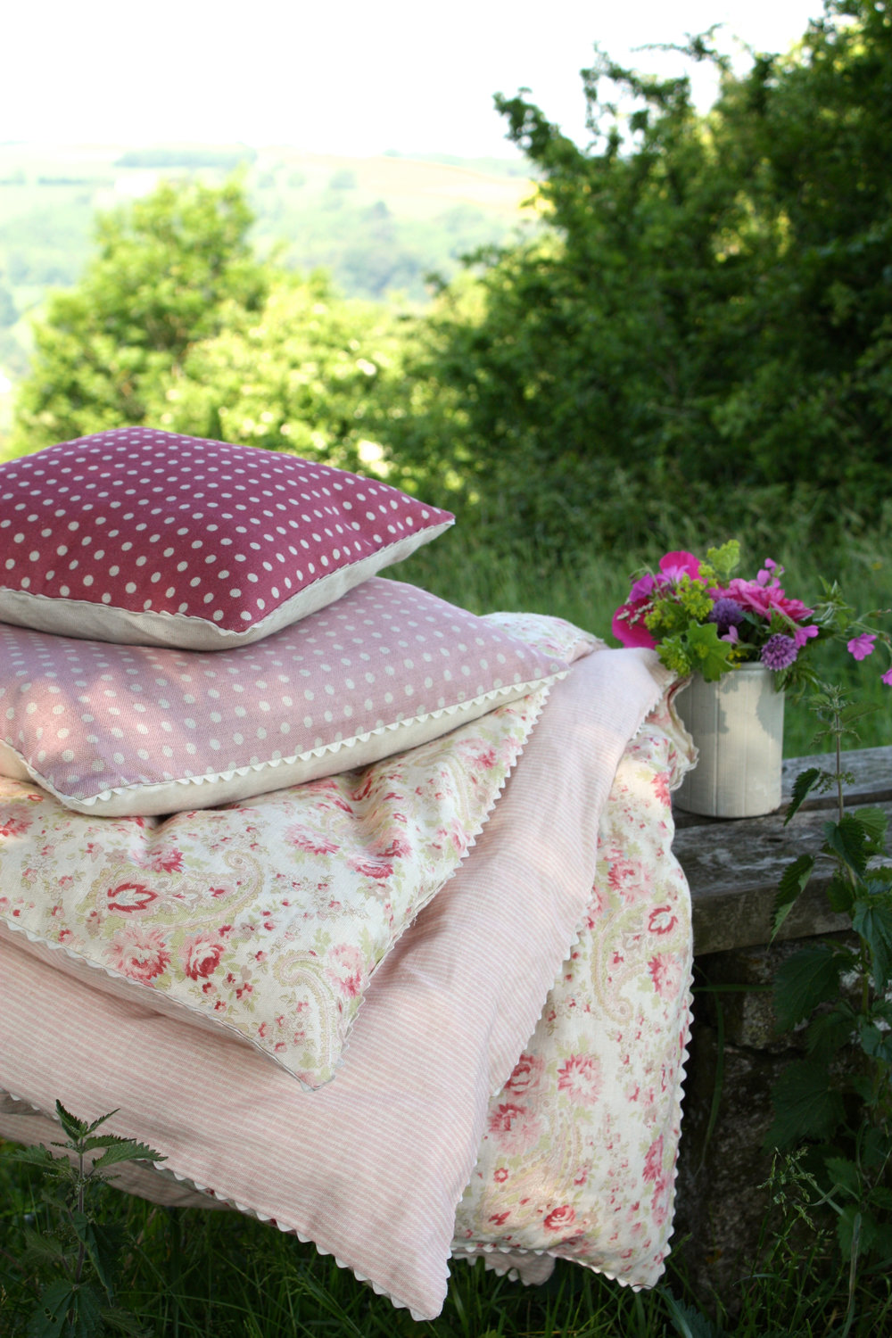 eiderdown and cushions.jpg