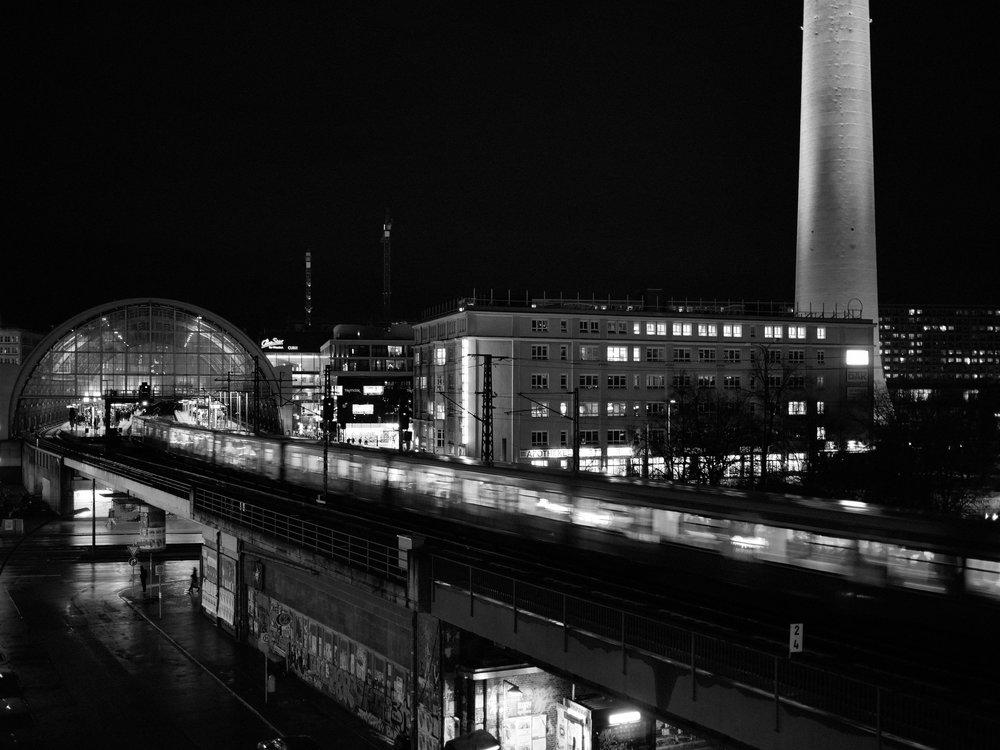 Berlin Bahnhof Alexanderplatz.jpg