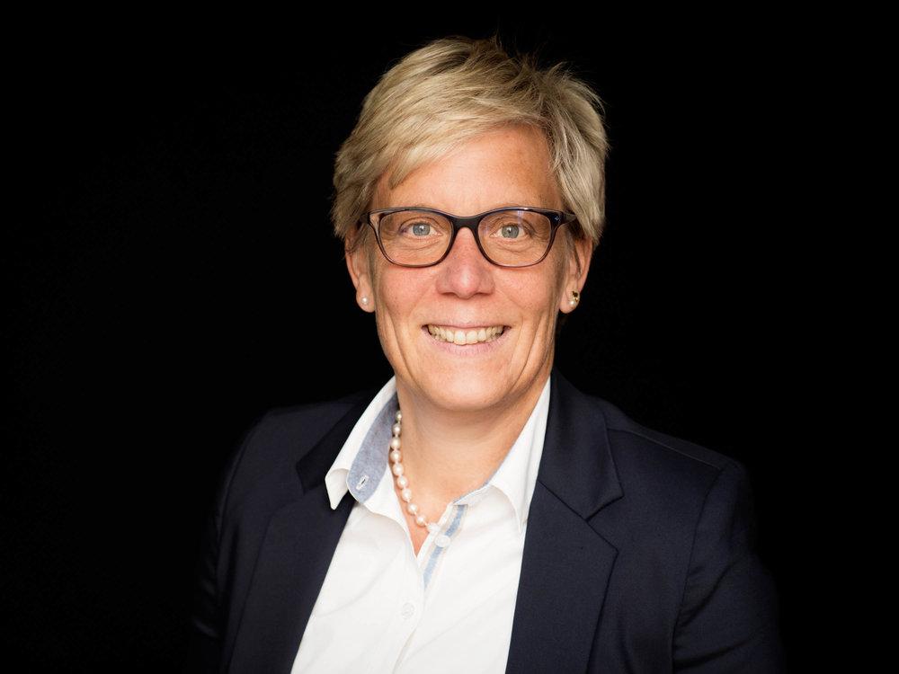 Businessportrait Corporate Imageportrait Bewerbungsfotos Bonn Köln Portraitfotograf Fotografie für Selbstständige und Unternehmer  P1066226_Exp.jpg