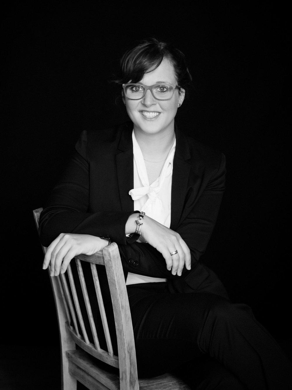 Businessportraits Bewerbungsfotos Fotografie für Selbstständige und Unternehmer Bonn und Köln Portraitfotograf (3).jpg