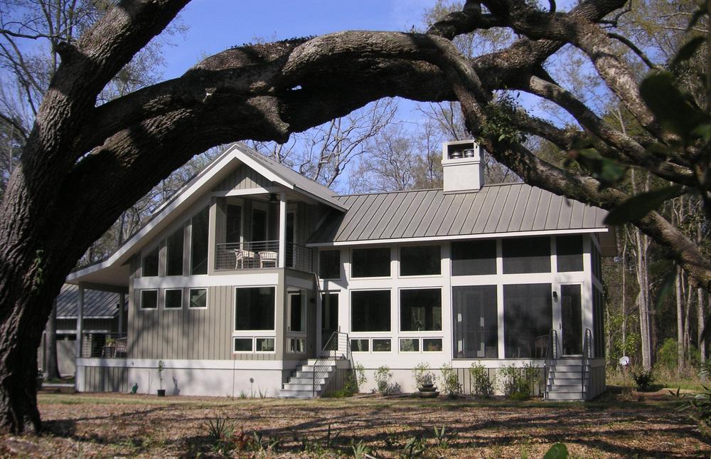 Small House big tree