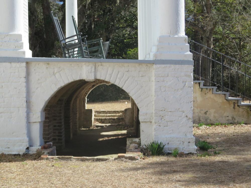 portico-beneath.JPG