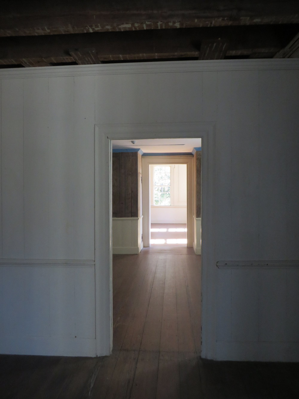 throughtolongroom.JPG