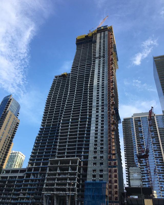 #Jennie gang under Constructon #chicago