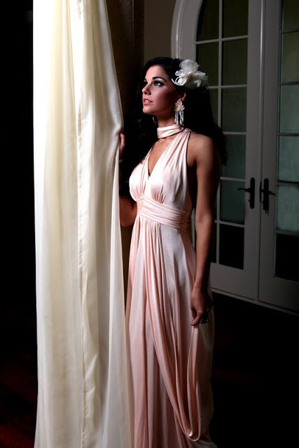 Victoria+peach+Marilyn+Monroe+gown.jpg