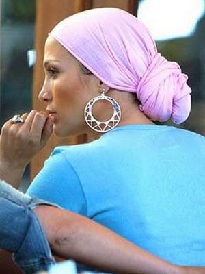 Jennifer+Lopez+Head+Scarf.jpg