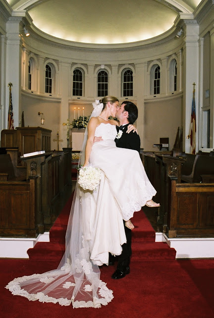 Kissing+in+Church.jpg