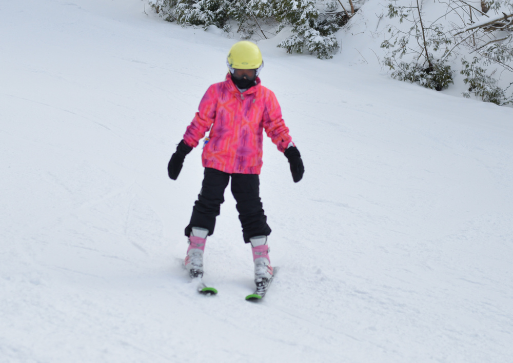 Grade 4-5 Skiing - Hockley first time (7 of 16).jpg