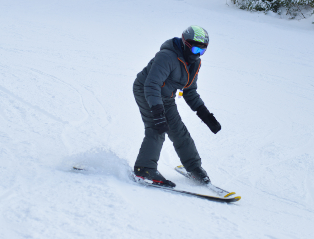Grade 4-5 Skiing - Hockley first time (12 of 16).jpg