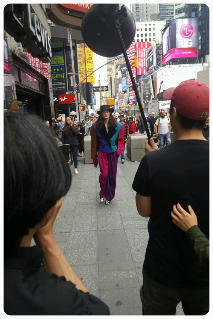 And a random model photo shoot right on Broadway
