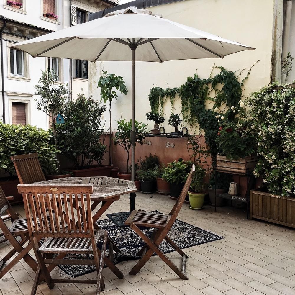 verona airbnb via san nazaro 58 travel blog