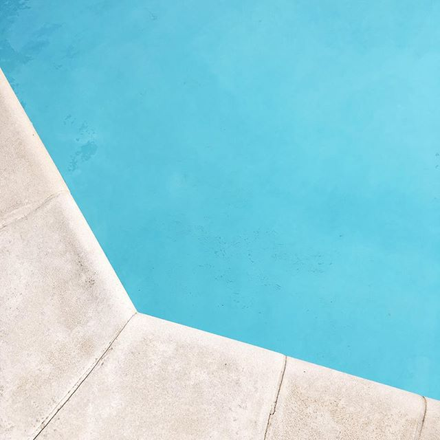 May the pool days never end #summer #summertime #pool #poolday #chill #latergram #birthdayweekend #malta #swimming #vscocam