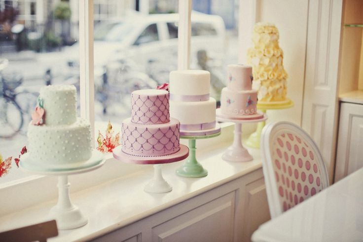 Photo Credit:  Peggy Porschen Cakes