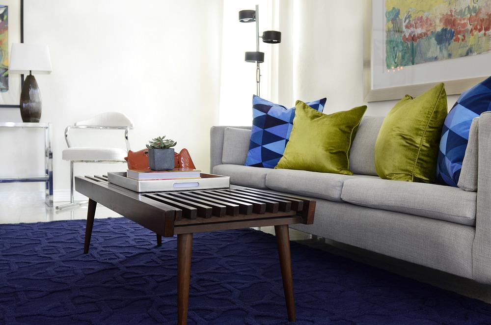 LISA GILMORE DESIGN   MID CENTURY LIVING ROOM