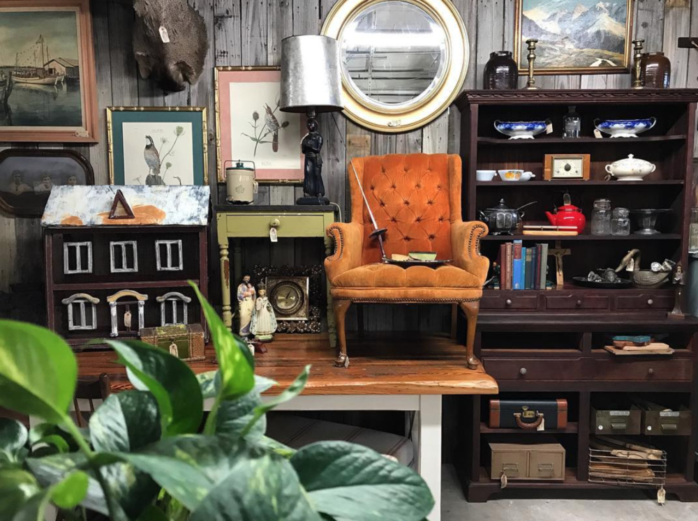 Brocante Market. Photo of Store Vignette. Vintage Goodies.  Instagram , brocantemarket
