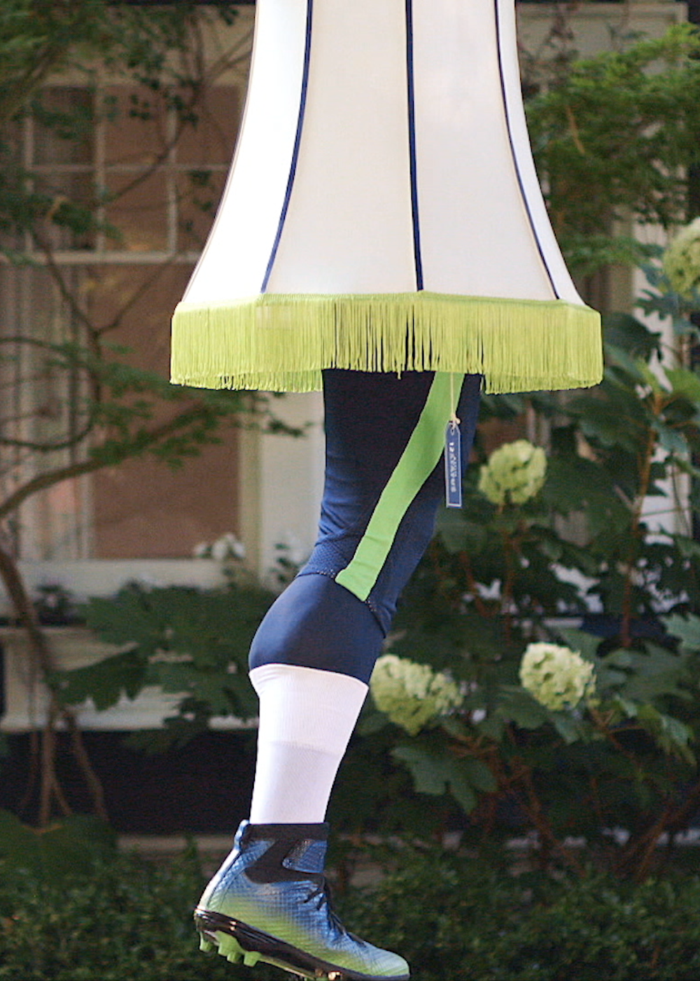 THE DOUG BALDWIN LEG LAMP