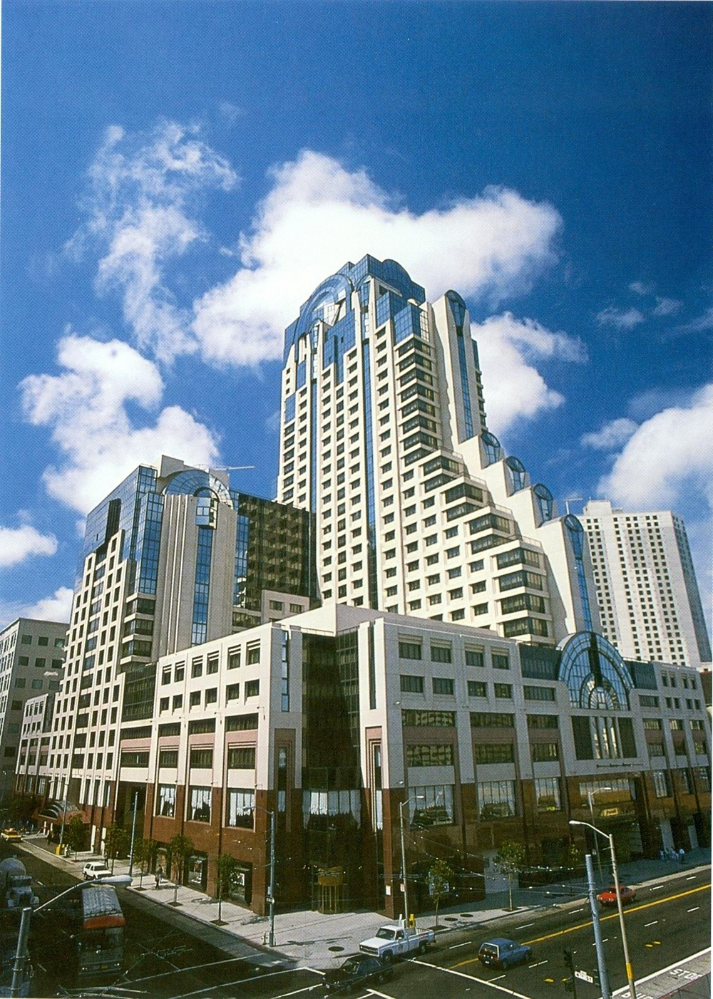 Marriot Hotel & Convention Center San Francisco.JPG