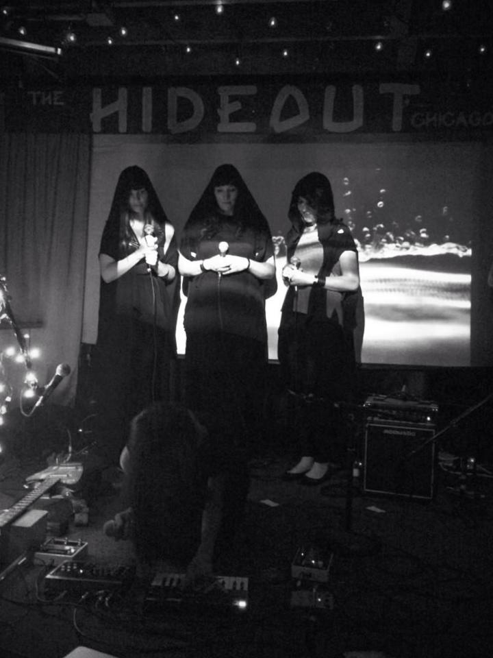Photo: Carolyn O'Neill. The Hideout, Chicago, July 2014.