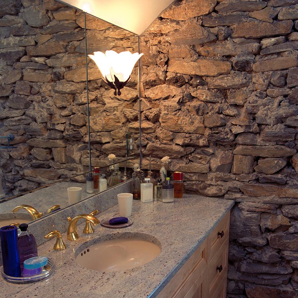 bath_stone_wall.jpg