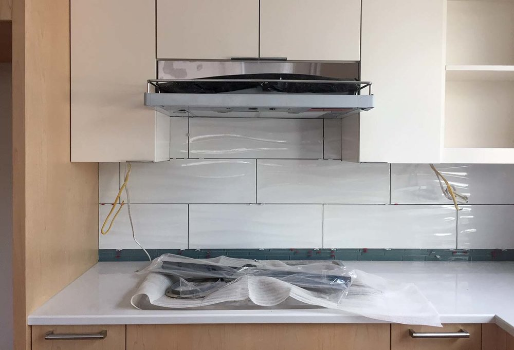 051617 tile at cooktop.jpg