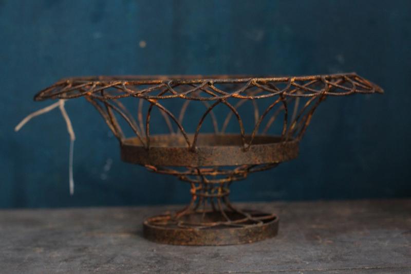 Wire Basket Front.jpg