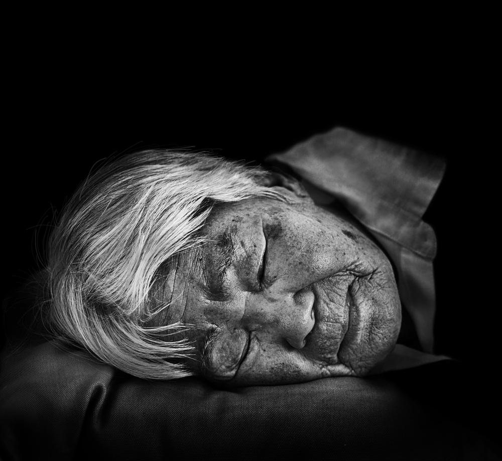 할머니 (Grandma) (2013)