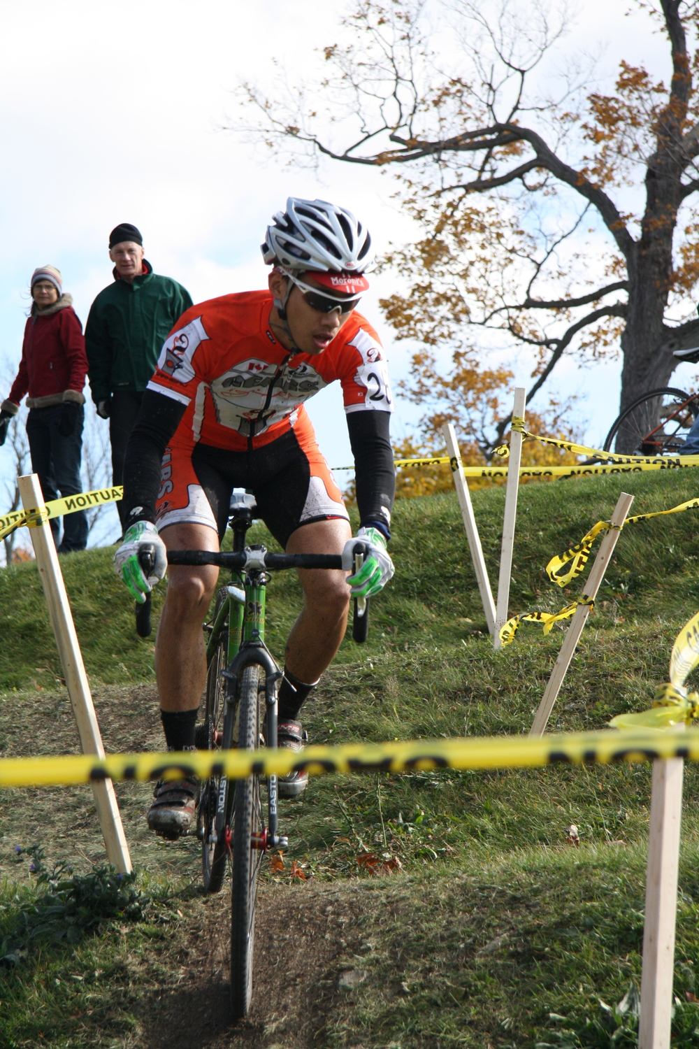 WaiBen descending terrace Kingston Cyclocross