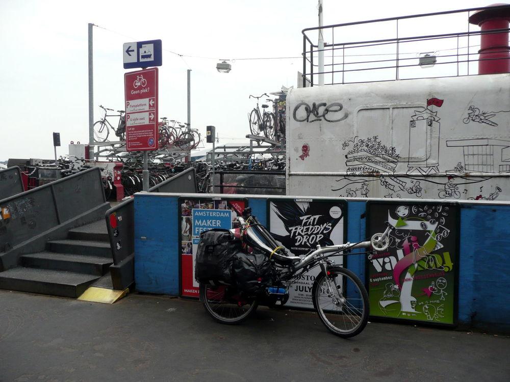 Müllers internationale Möbeltransporte in Amsterdam / Müllers international moving service in Amsterdam