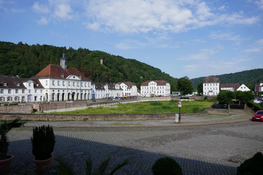 beautiful Bad Karlshafen (hier mit trockenem Hafenbecken)