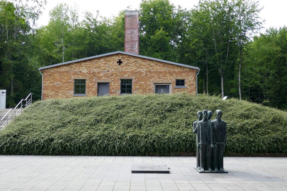 Krematorium und Denkmal für die Toten