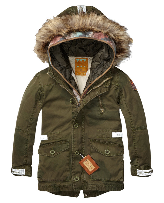 This  Scotch and Soda Canvas Parka  has a detachable inner jacket, which will come in handy when the days get colder, and makes it the perfect Parka option going into the spring months when the days get warmer. With its reflection details making sure the little ones get Noticed, it is a Practial and Safe choice for Moms and a Cool choice for Kids.