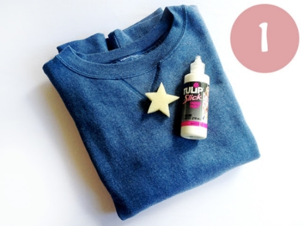 In addition to buying Allover Star Prints,  I Love this DIY-Star Print  tutorial for Sweatshirts from fashion from az.  It is another fun project to do with your child in which you can transform any old or new Sweatshirt into an Allover Star Print. This DIY Star Print is really cool and easy to do, all you need is a star shaped sponge and textile paint.