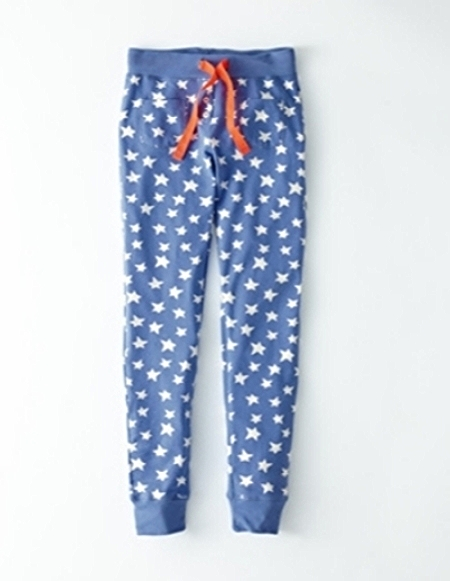 These Boden Girls' slim long johns are a soft, slim-fitting pair of long johns perfect for lounging around the house watching the Olympic Games.This Allover Star Print is so cute and cool, your daughter can even wear them out of the house with a tunic top.