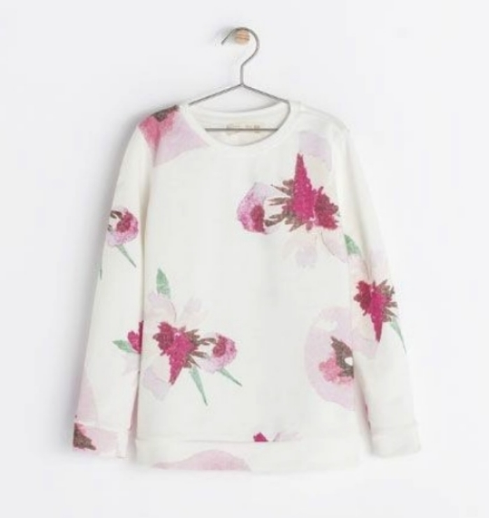 This  Zara Floral Print Sweatshirt  is a beautiful Allover Botanical display of pink florals. I love this Allover Print Sweatshirt so much I wish it came in women's sizes…  if only I had a daughter :-)