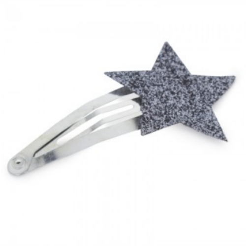 This  Numero 74 Silver Star Hair Clip  is sparkly silver and will add shimmering style to your Little Ice Princesses accessory collection, and is sure to become her favorite hair clip that she will want to wear everyday and with everything!