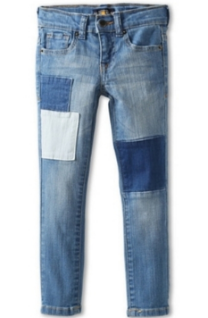 These  Lucky Brand Girls' Patchwork Skinny Jeans  have whiskering and patchwork details on the front legs, and will make a cool and unique outfit of your little one this spring.