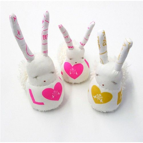 These Atsuyo et Akiko Collaboration work with Tamar Mogendor Bunnies ($310.00 for the set of 3) from Poppy's Closet are limited edition Love Bunnies that are cut to order.